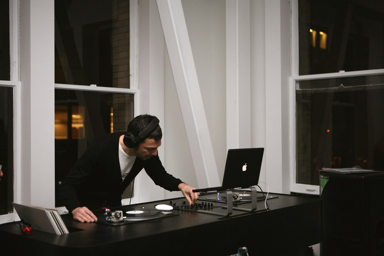 DJ at a design studio | © Incase/ Flickr