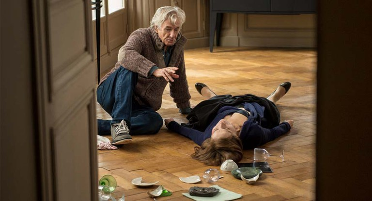 Paul Verhoeven directs Isabelle Huppert in 'Elle' | © Sony Pictures Classics
