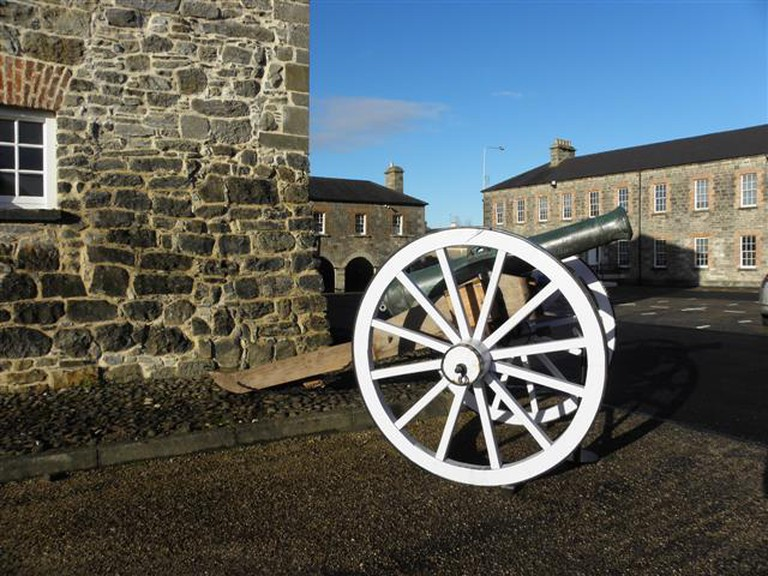 Nine-pounder cannon at Enniskillen Castle | © Kenneth Allen/ Geograph