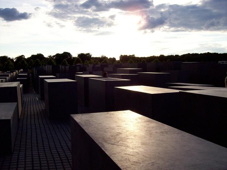 Holocaust Monument in berlin   © marinamarinb / Pixabay