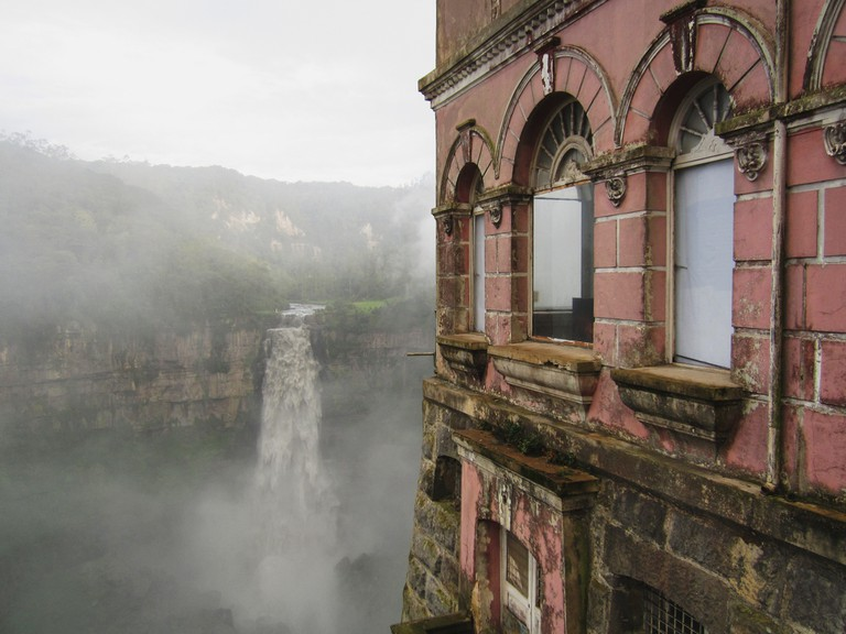 Hotel del Salto overlooks the XX Falls and was once a popular guest house | © XX