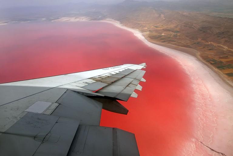 "Maharloo Lake is also dubbed the ""Pink Lake"" | © Mohammadreza Farhadi Aref / Wikimedia Commons"