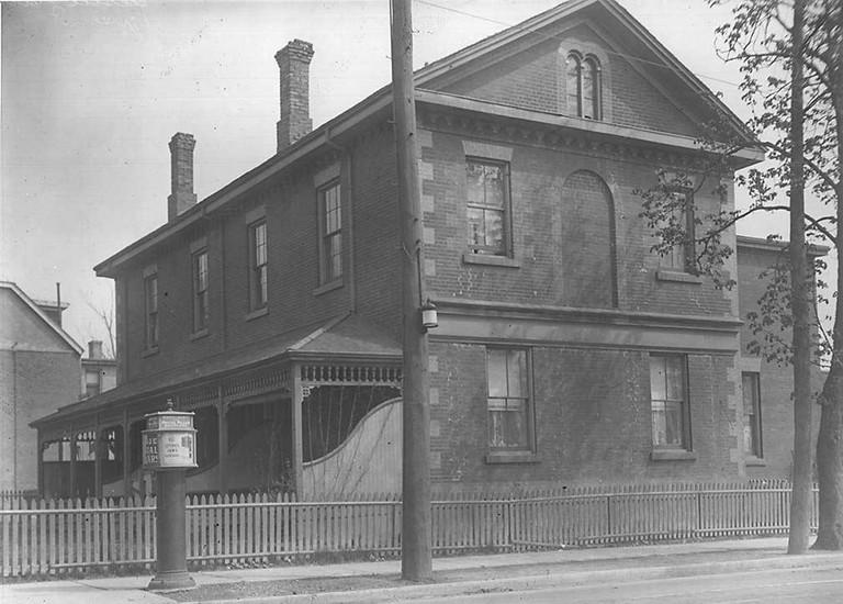 George Leslie's estate, 1920 | Pubic Domain/WikiCommons