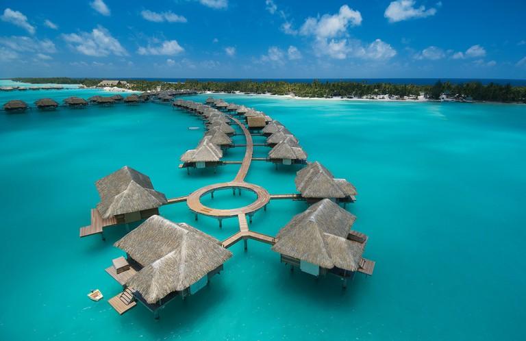 Luxury travel   © Roderick Eime/Flickr