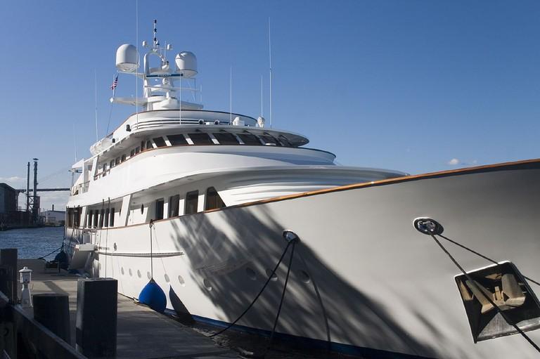 Luxury Yacht   © Jon Worth/Flickr