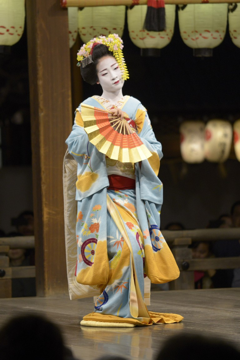 Traditional Performance by Maiko