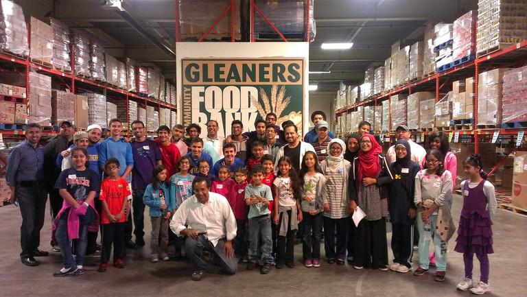 Michigan Muslim Community Council (MMCC) Ramadan Fight against Hunger campaign volunteers | Courtesy of the Michigan Muslim Community Council