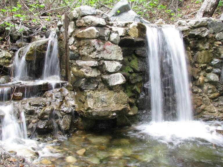 Holy Jim Falls|©oncetherewasagirl/Flickr