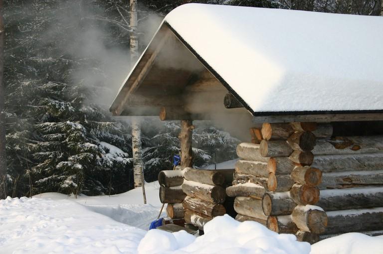 Exterior of a traditional smoke sauna/ Pixabay