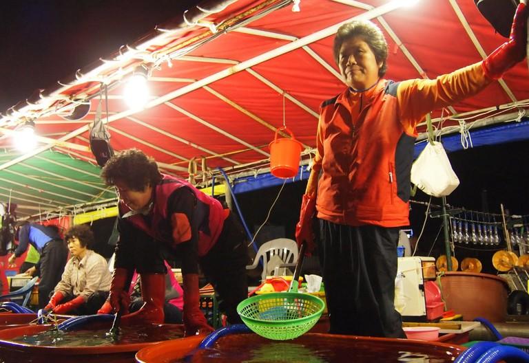 Vendors sell fresh seafood