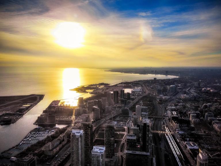 Toronto's shore & skyline | © Christian Lambert/ Flickr