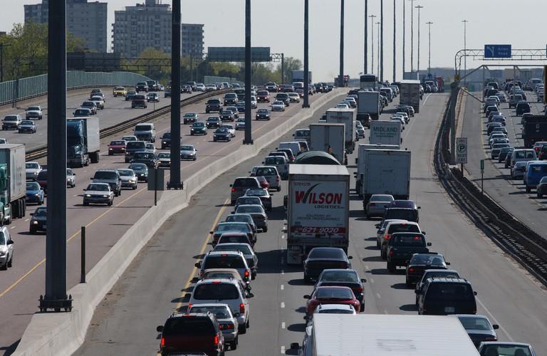 Gridlock on the 410, near Toronto |© MMA/MHO/ Flickr