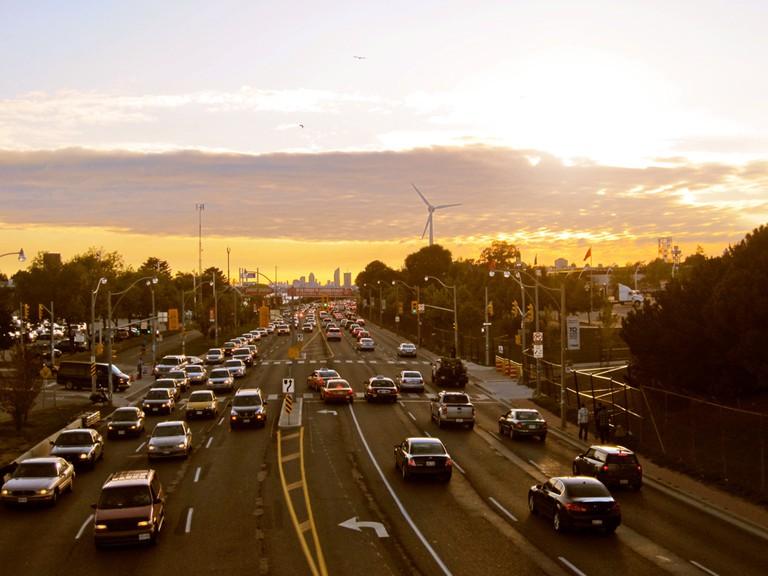 Traffic on Lakeshore Blvd, Toronto | © Hailey Toft/ Flickr