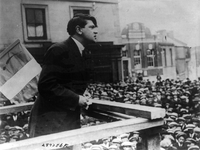Michael Collins addresses a crowd in Skibbereen on St. Patrick's Day, 1922   © Library of Congress/WikiCommons