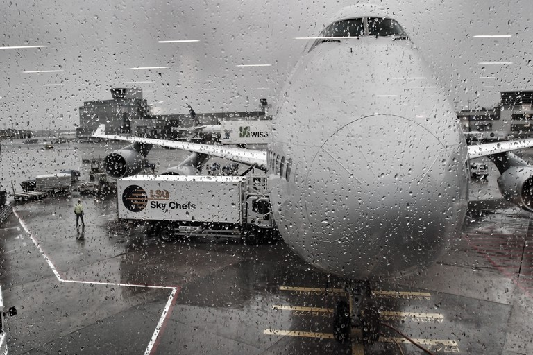 Drookit At The Airport   © Magnus Hagdorn / Flickr