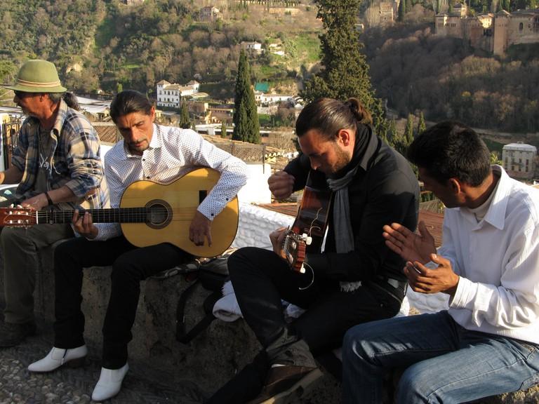 Live flamenco on the Mirador San Nicolas, Albaicin