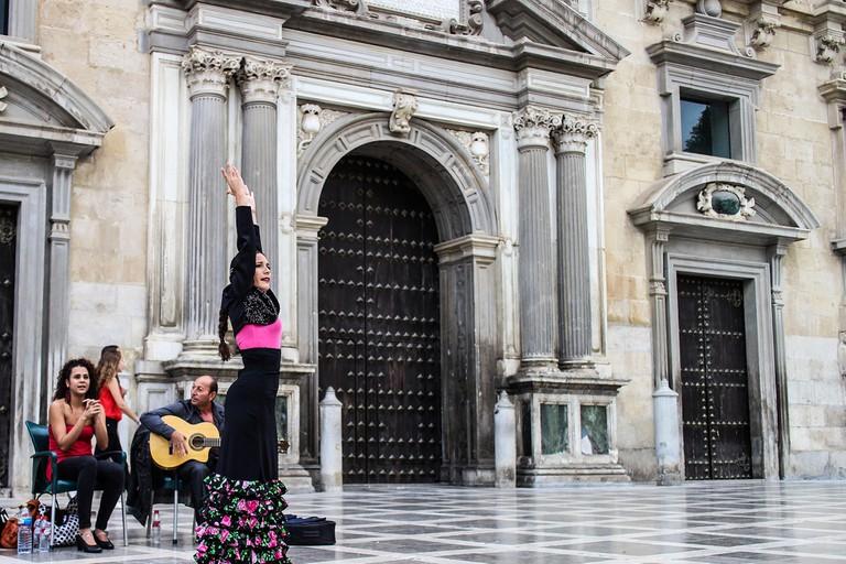 Street flamenco on Plaza Nueva