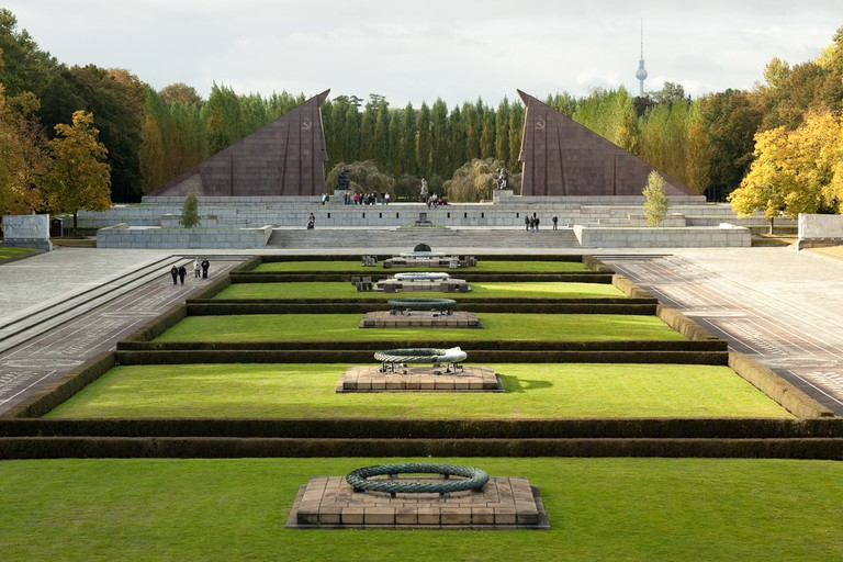 The memorial to the fallen Red soldiers