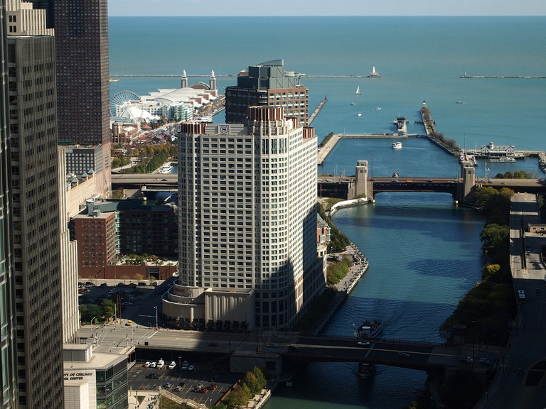 The Chicago River naturally flowed into Lake Michigan | © Jaysin Trevino/Flickr