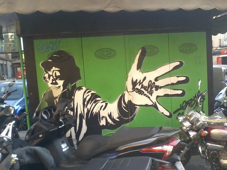 "<a href=""https://www.flickr.com/photos/adriagarcia/6785735602/"">A mural dedicated to Muelle in La Latina│© Adrià García/Flickr</a>"