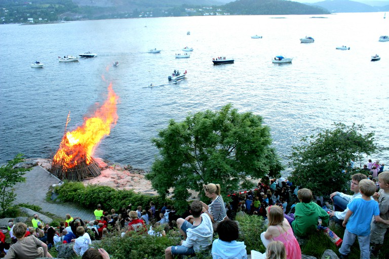 Lakeside bonfires are typical in Norway