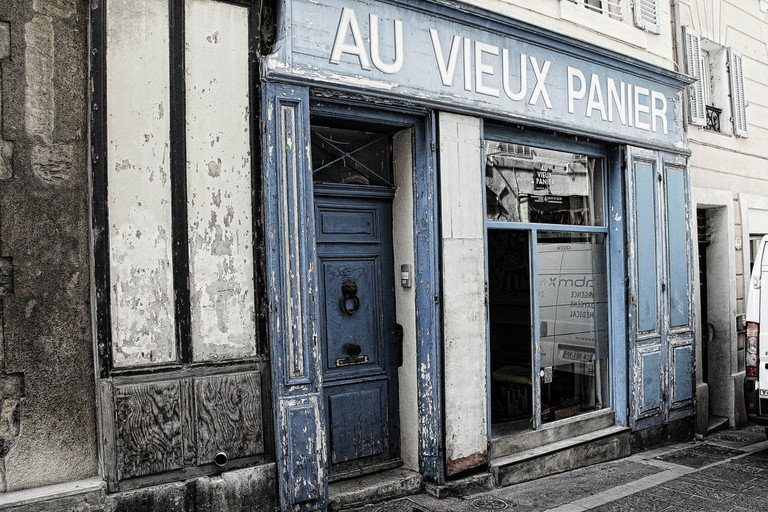 The Panier district is a wonderful place to discover winding streets and old buildings