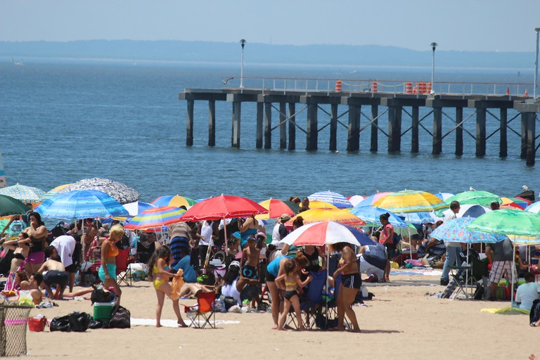Coney Island Beach | Shinya Suzuki/Flickr