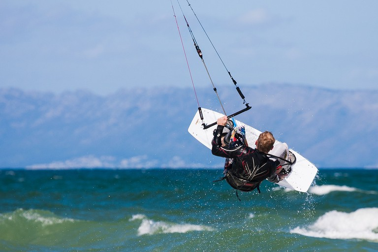 Kiteboarding at Muizenberg
