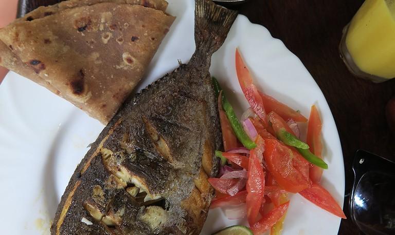 Chapati & Fish © Jean Wandimi