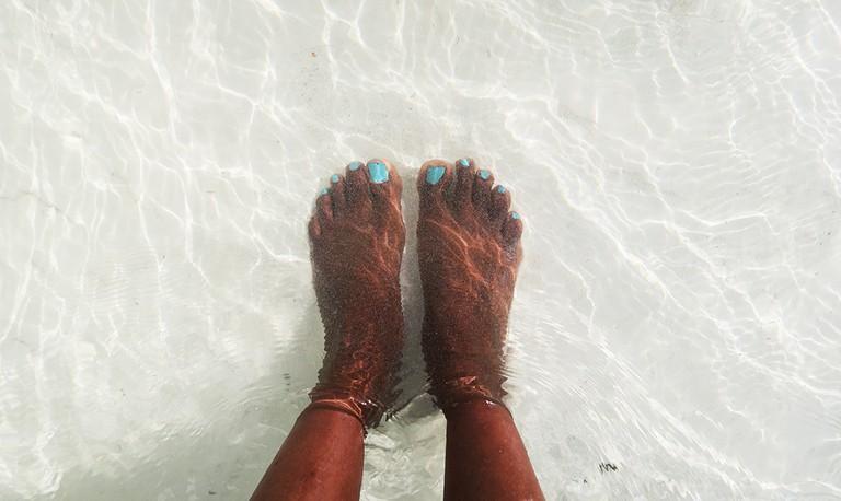 Feet in the Water | © Jean Wandimi