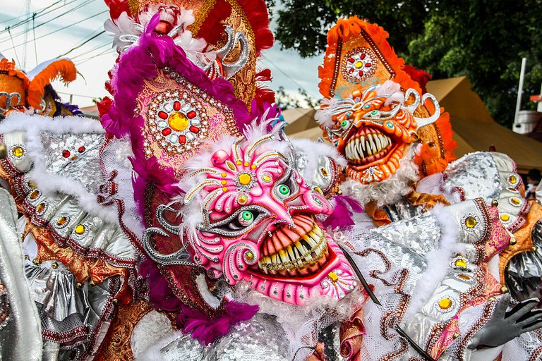 https://commons.wikimedia.org/wiki/File:Carnival-3490.jpg