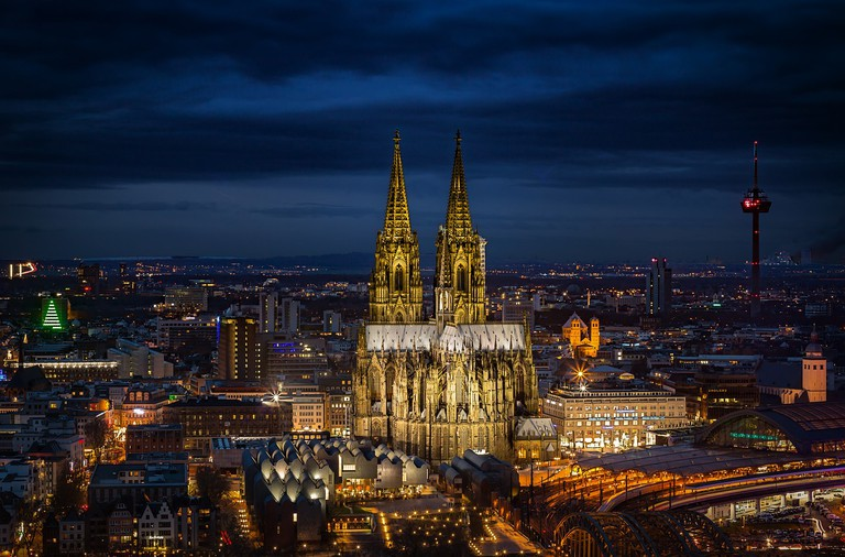 The Cologne Cathedral   taxicologne /Pixabay