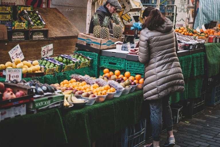 Shopping locally   © Clem Onojeghuo/Pexels