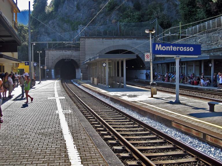 Monterosso train station©AlexRanaldi:Flickr