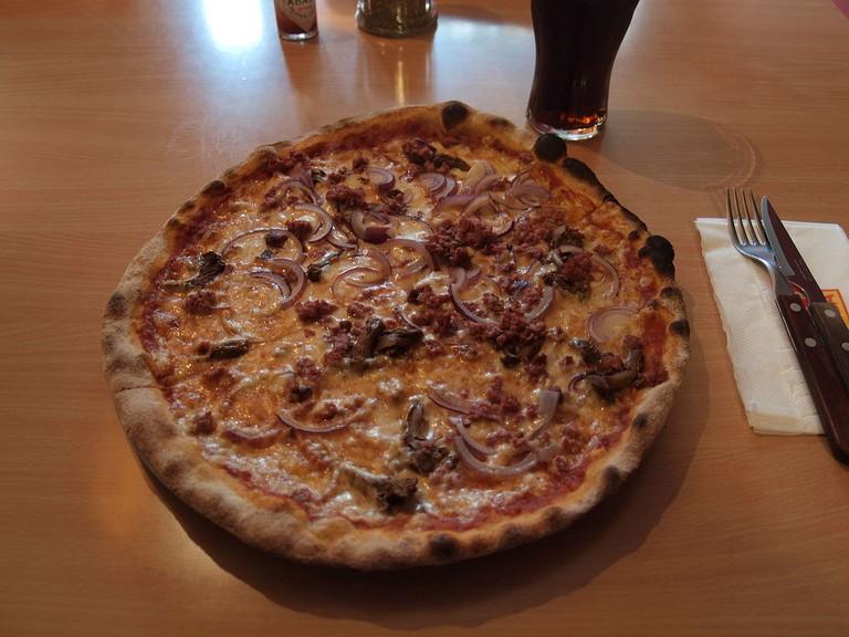 Koti Pizza's Pizza Berlusconi/ Wikicommons