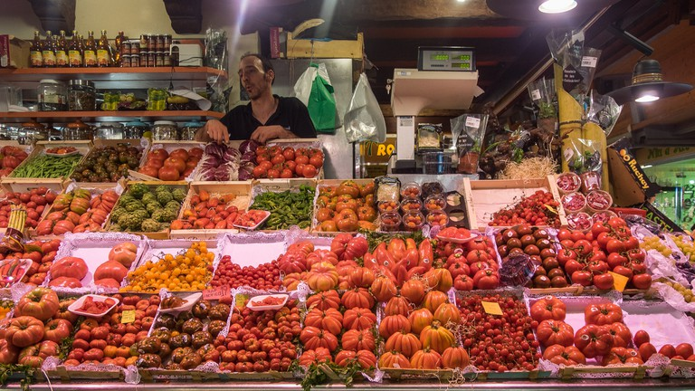 A selection of ripe tomatoes at St Catherine's Market © Ajay Suresh