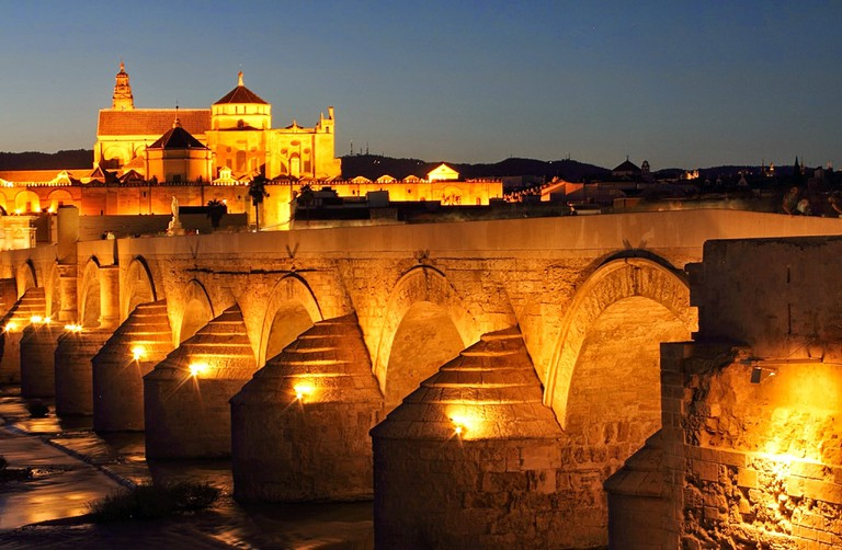 Cordoba's Roman bridge at night