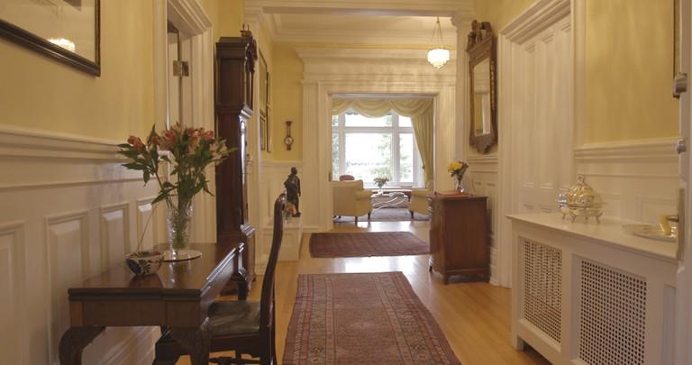 Earnscliffe Manor