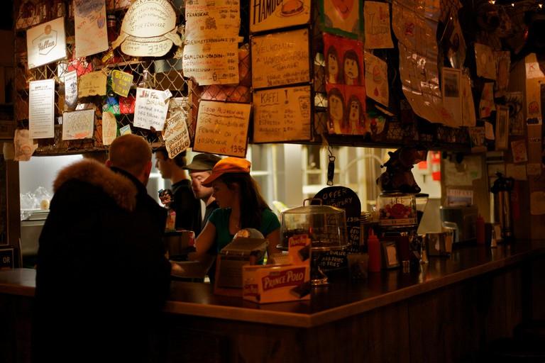 Burger joint, Reykjavik | © ryan harvey/Flickr
