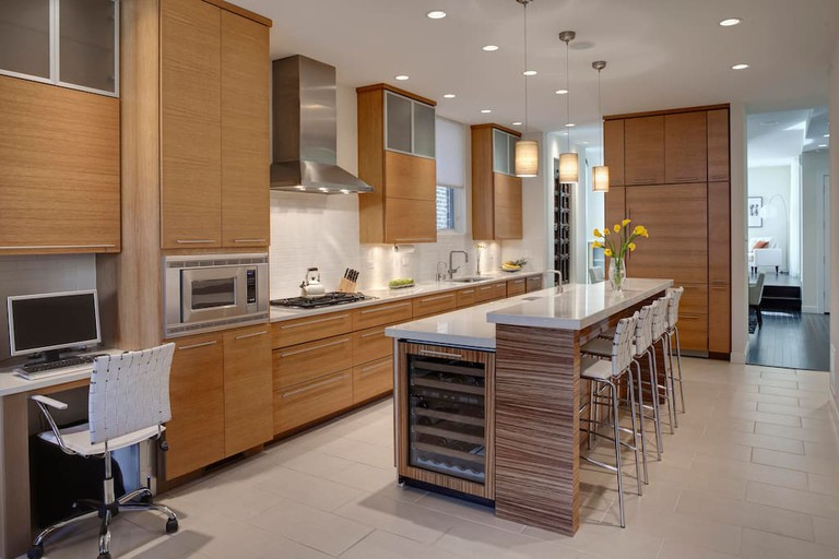 Beautiful kitchen in high-end Wicker Park home | © Courtesy of Jon/Airbnb