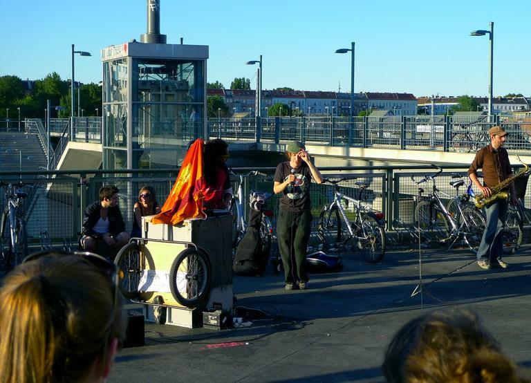 Street music at Warschauer