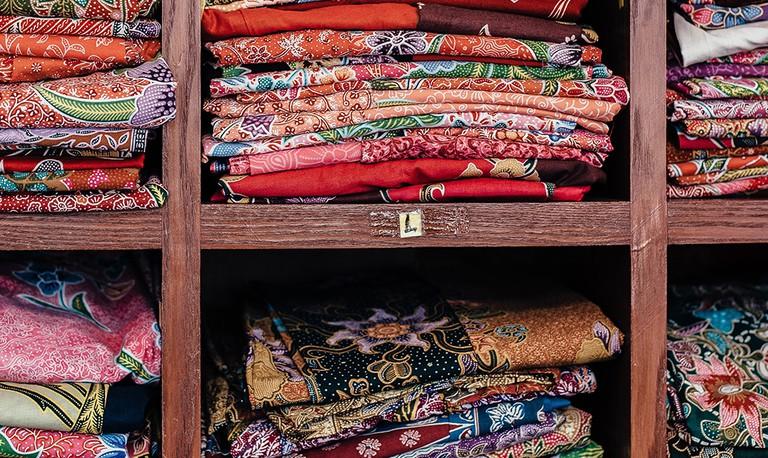 Fabric  © Annie Spratt / Unsplash