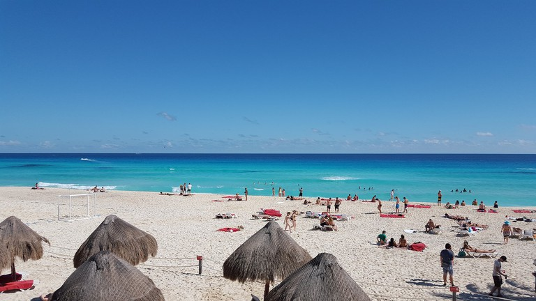 Enjoy the beach in Cancún