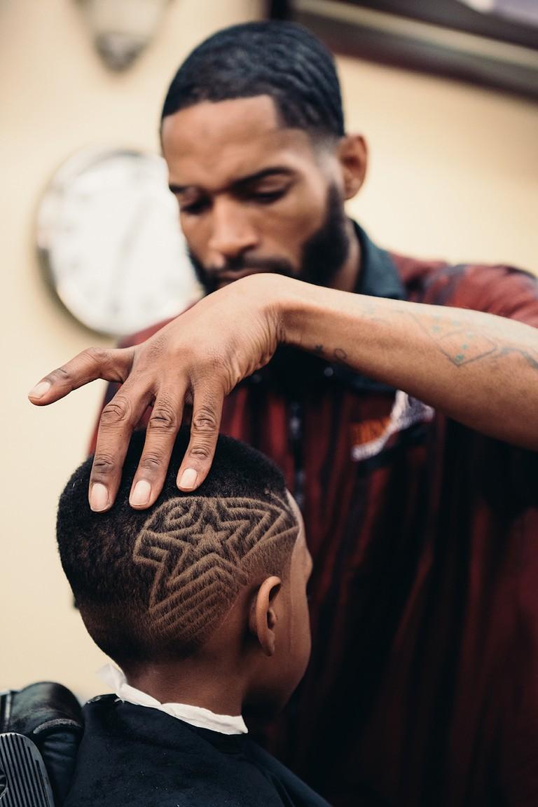 'Denny Moe's Barbershop' | © INFRINGE