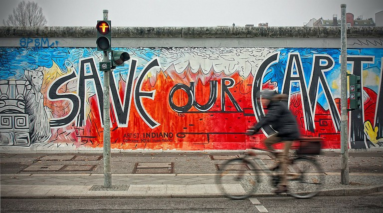 A new message on the old Berlin Wall