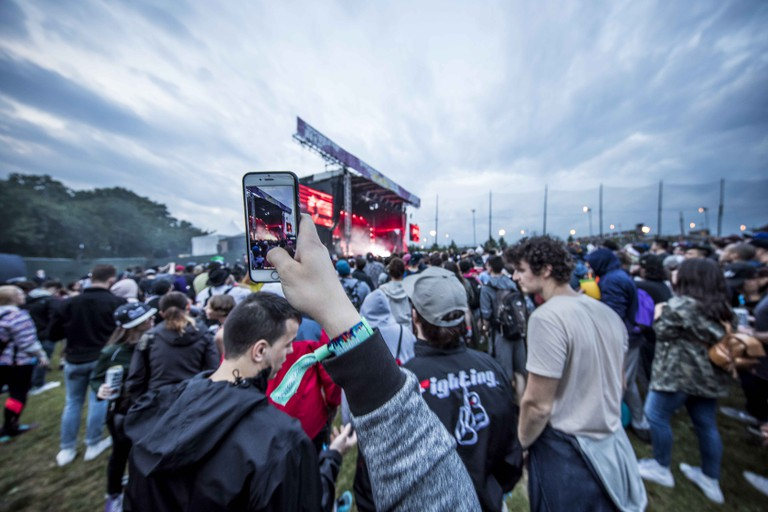 The rain stopped by sunset and crowds gathered for the final headliners of the weekend.