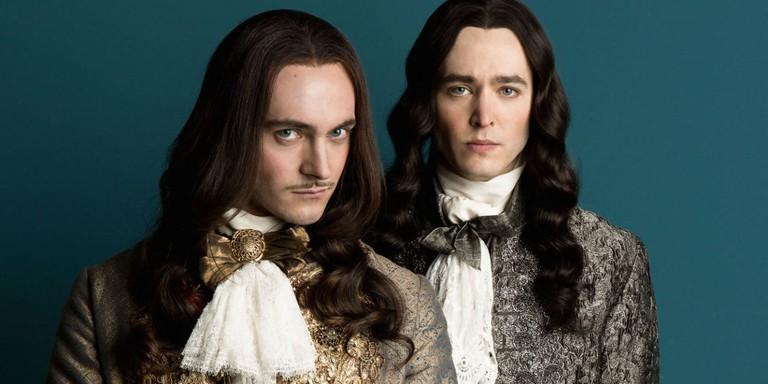 Louis XIV and Philippe I, Duke of Orléans │© Tibo & Anouchka / Capa Drama / Zodiak Ficion / Incendo / Canal+