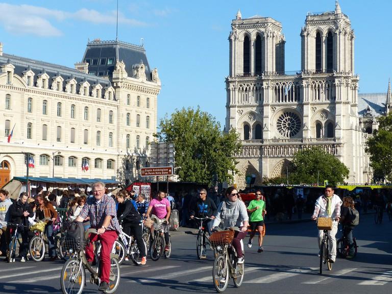 Notre-Dame, Paris sans voitures 2016 │© Ulamm / Wikimedia Commons