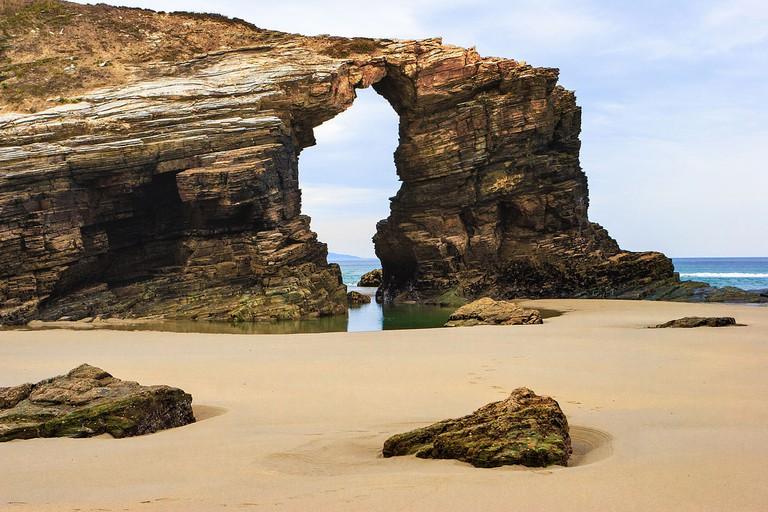 Playa As Catedrais | ©Pedro M. Martínez Corada (www.martinezcorada.es) / Wikimedia Commons