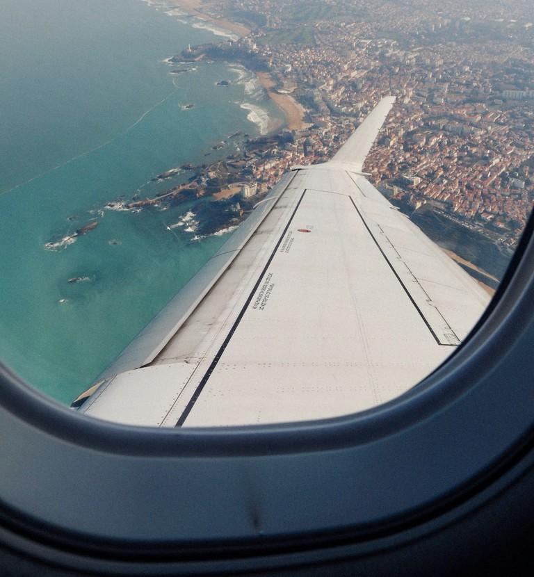 Landing in Biarritz –